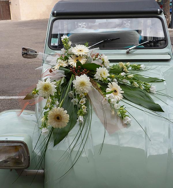 Galerie des confections pour le mariage champs libres - Fleuriste decoration voiture mariage ...